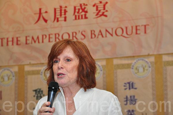 加拿大餐飲協會總裁兼首席執行官杜爾(Donna Dooher )(周行/大紀元)