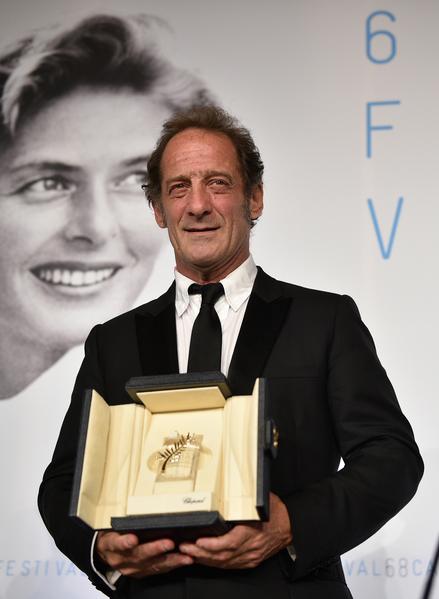 法国演员文森特‧林顿(Vincent Lindon)凭着《市场法律》一片获得最佳男演员奖。(Pool/Getty Images)