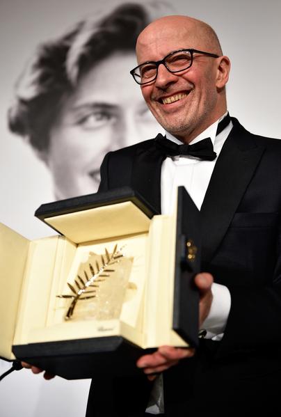 法国导演雅克‧欧迪亚(Jacques Audiard)凭借《迪潘》拿下了金棕榈最佳影片大奖。(Pool/Getty Images)