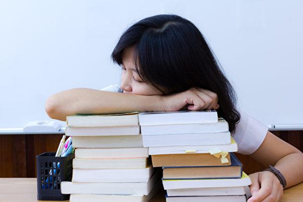 心理问题和出勤率是造成学生GPA不理想的两大杀手。(Fotolia)