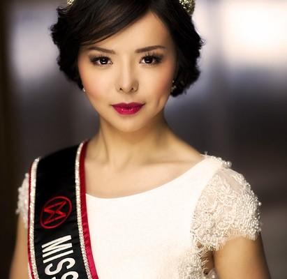 自世界小姐加拿大賽區冠軍林耶凡(Anastasia Lin)向媒體披露家人被中共國安威脅後,加拿大政府於27日在首都渥太華發表聲明,稱讚其呼籲關注中國人權問題的努力。圖為,2015年5月16日,林耶凡當選2015年加拿大世界小姐。(林耶凡提供)
