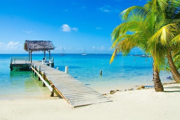 来到加勒比海洪都拉斯的Anthony's Key度假村,展开一段梦幻之旅 回到纯真的天堂。(Anthony's Key提供)