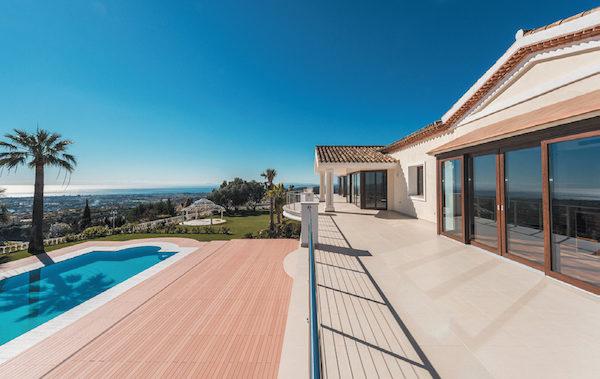 Villa in La Zagaleta Golf & Country Club,675万欧元,这座美丽的房产有着壮观的海景,位于欧洲最优越的居住区之一,La Zagaleta高尔夫乡村俱乐部之内。俱乐部提供了两个高尔夫球场、马术中心、网球场、两个会所和直升机停机坪。
