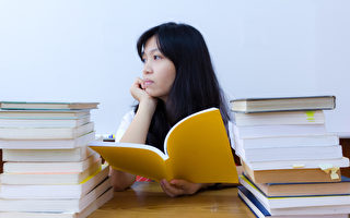美国厚仁教育发布《2015版留美中国学生现状白皮书》,探讨留美学生中,被开除学生群体状况。白皮书数据显示,过半被开除中国留学生是因为学术表现差。(Fotolia)