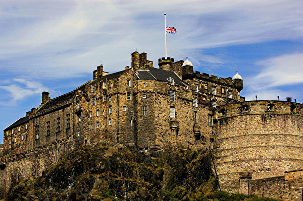 苏格兰爱丁堡城堡(NICOLAS ASFOURI/AFP/Getty Images)