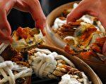 受工业污染的影响,蟹黄蟹膏已被纽约卫生局列入禁止食用的食品。(王镜瑜/大纪元)