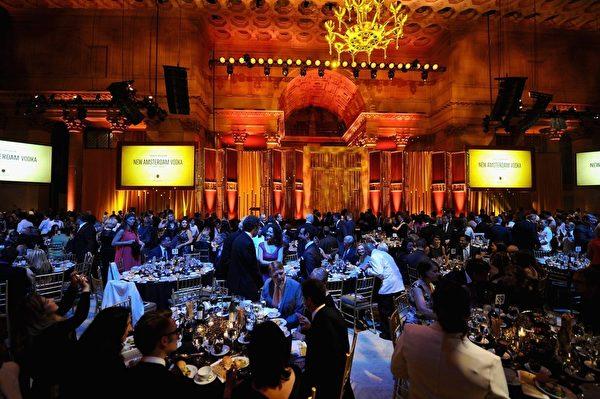 第74屆美國廣播電視文化成就獎——皮博迪獎(Peabody Awards)週日(5月31日)在紐約曼哈頓華爾街舉行了頒獎典禮。(李雲翔提供)