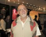 Ricardo Santiago先生於6月7日下午觀看了神韻舞劇團的《西遊記》舞劇。(林南/大紀元)
