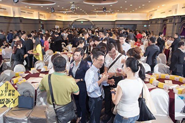 全球最大商務引薦平台BNI商會富樂分會,今(9)日於高雄華園飯店舉行啟動大會, 南台灣300餘企業人士齊聚一堂。(BNI富樂分會提供)