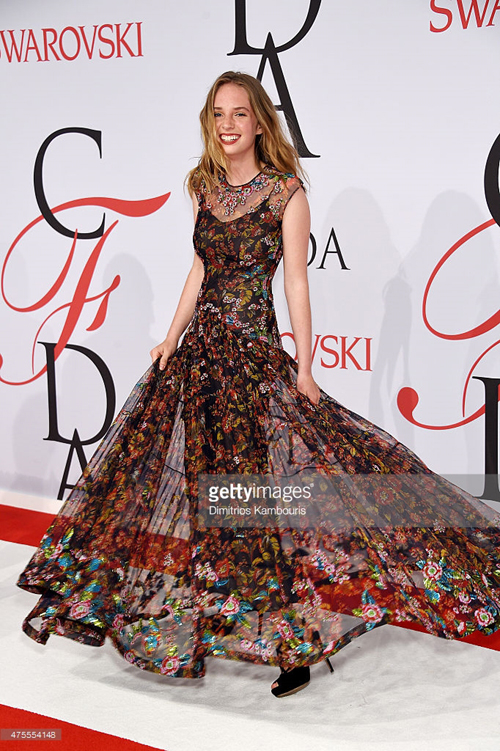 出席CFDA時尚大獎的Maya Thurman-Hawke(Dimitrios Kambouris/Getty Images)