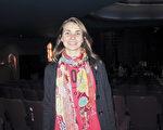音樂人Lislay Rapisardi女士於6月10日晚在阿根廷首都布宜諾斯艾利斯的Opera劇院觀看刻神韻舞劇團的《西遊記》演出。(林南/大紀元)