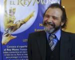 Miguel Ávila先生於6月11日晚在阿根廷首都布宜諾斯艾利斯的Opera劇院觀看了神韻舞劇團的《西遊記》演出。(新唐人)