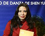 阿根廷議員顧問Alejandra Retamozo女士於6月13日晚在阿根廷首都布宜諾斯艾利斯的Opera劇院觀看了神韻舞劇團的《西遊記》演出。(新唐人)