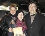 Fabian Gonzalez先生一家人於6月13日晚在阿根廷首都布宜諾斯艾利斯的Opera劇院觀看了神韻舞劇團的《西遊記》演出。(林南/大紀元)