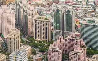 房地合一經立法院三讀通過後,北台灣建案每週來人組數及成交量整體穩定成長。(陳柏州/大紀元)