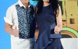 A-Lin与孙楠6月25日出席在北京举行的电影《命中注定》同名主题曲MV发布会,两人合唱电影主题曲。(索尼音乐提供)