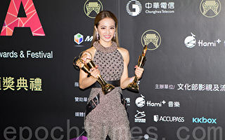 Jolin获最佳专辑《岛屿天光》为年度歌曲
