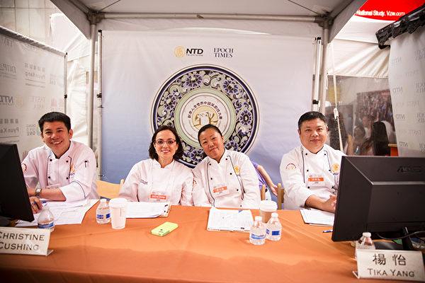 6月27日,第七屆新唐人全世界中國菜廚技大賽決賽評委合影。左至右:羅子昭,克里斯蒂娜‧庫欣,楊怡,張華。(愛德華/大紀元)