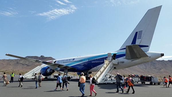 佛得角圣文森特岛Cesaria Evora机场(DANIEL SLIM/AFP)