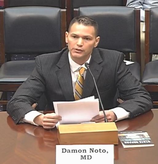 2012年9月12日,反對強制摘取器官醫生組織發言人達蒙•諾托在聽證會上發言,希望美國國會發起譴責中共活摘器官的決議。(明慧網)