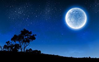 """抬头看 7月31日天空将现一轮""""蓝月亮"""""""