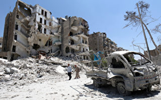 以为是玩具 叙利亚4岁女孩捡起一枚炸弹