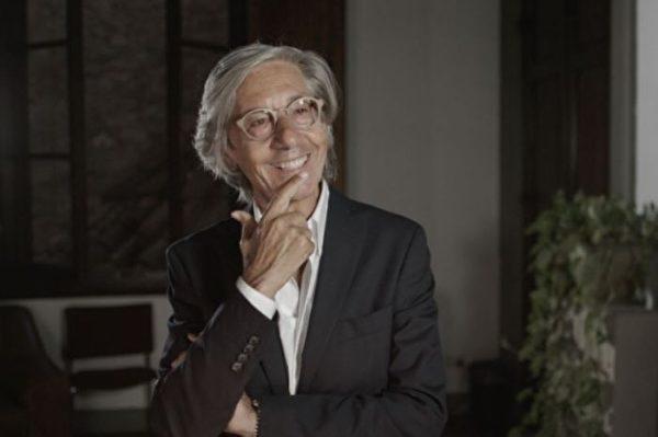 Aria 画廊主人艾力欧.丹纳(Elio d'Anna)曾是音乐家,也是商人、作家和一个有理念的教育家,他在世界各地创办欧洲经济学校,希望教育出有开阔思想,能够调和对立的经济领域的领导者。(Kacey Cox / Ntd)