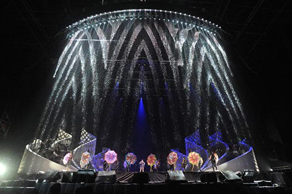 江蕙《鏡花水月》演唱會請到燈光師林光政主導視覺。(喜歡音樂提供)