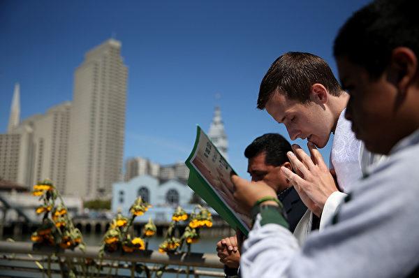 神职人员(Clergy)。(Justin Sullivan/Getty Images)