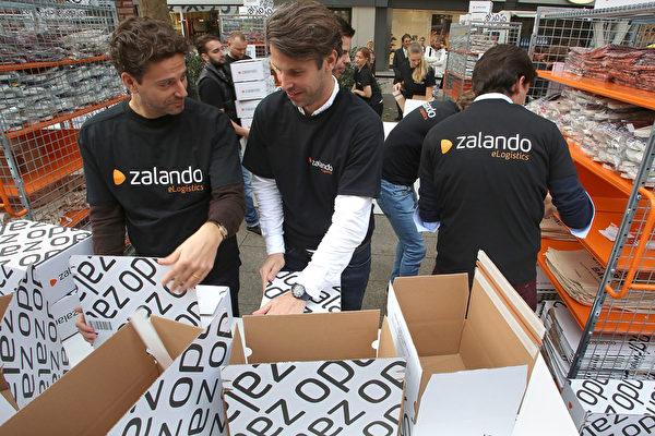 在全欧洲范围内的网络服饰零售商Zalando在2014年10月1日在德国法兰克福交易所上市,筹集了6.33亿欧元的资金。(Hannelore Foerster/Getty Images)