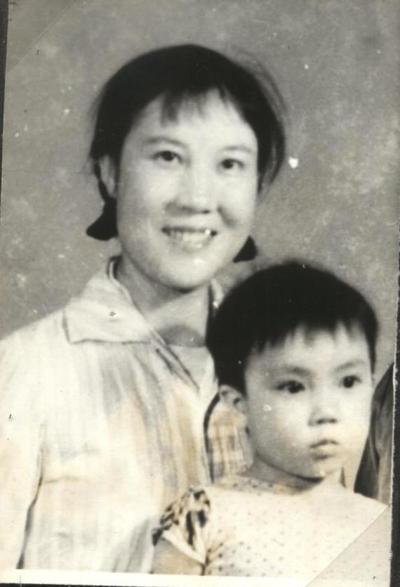 我三歲時,仍然跟著母親過活。(作者提供)