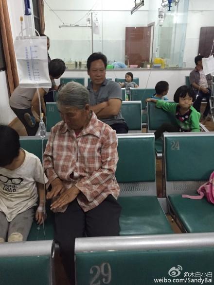 7月23日,云南富源县古敢乡沙营幼儿园发生食物中毒事件。孩子们在食用由幼儿园提供的用餐后,集体出现腹痛、呕吐症状,共有83人入院治疗。(网络图片)