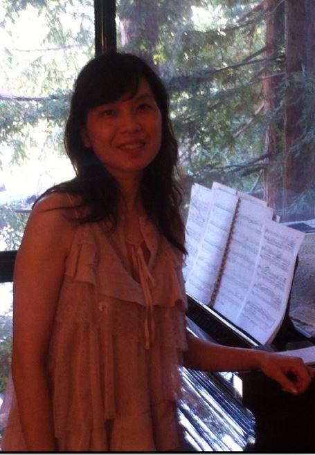 旧金山湾区帕拉阿图(Palo Alto)半岛钢琴店华裔钢琴教师Kathie Chang女士十几年来把大批孩子带入音乐圣地。(本人提供)