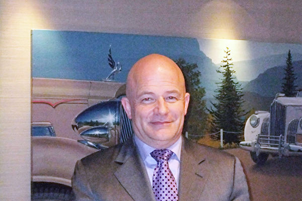 Plaza Auto Mall汽车集团总经理Tony Urrutia先生(大纪元图片)