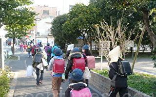 中国父母抢购日本书包 适合大陆孩子吗