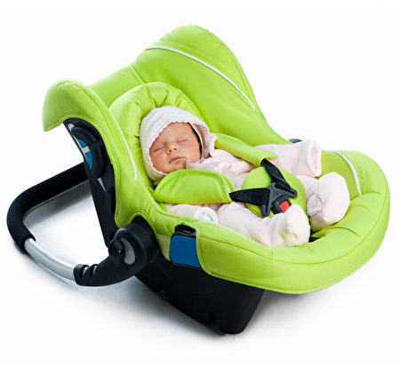 通用汽车公司(GM)宣布,将在其2017年款的GMC Acadia车上增加一个新功能,提醒驾车者后座上还有婴儿,以防止夏季高温时婴儿意外滞留车内窒息而死的悲剧发生。(Fotolia)