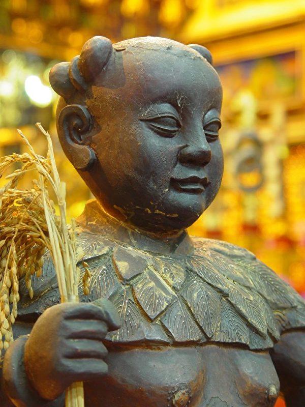 神农圣帝的雕塑。(嘉邑大天宫提供)