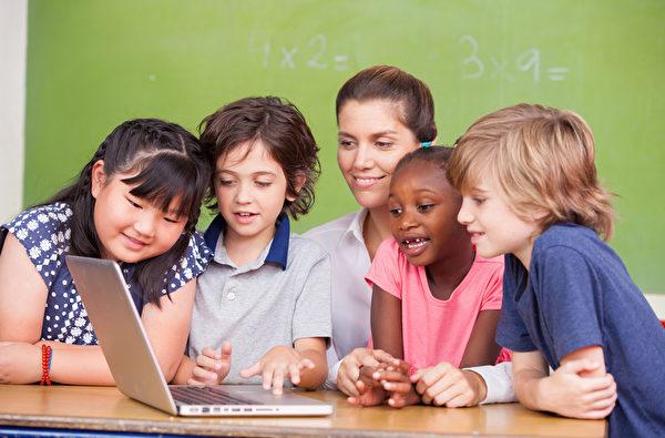 返校季購買電腦會有很多折扣。(Fotolia)