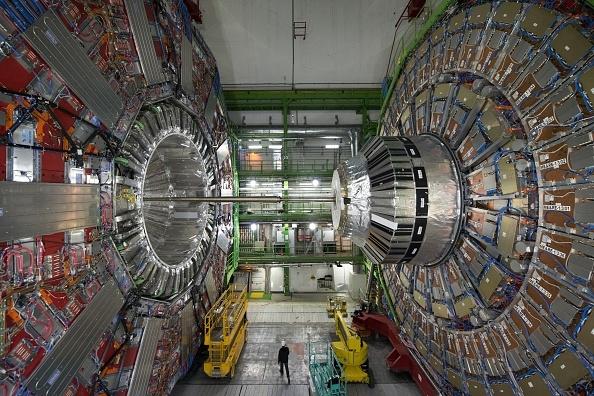 """""""欧洲核子研究中心""""的大型强子对撞机。(Juilliart/AFP/Getty Images)"""