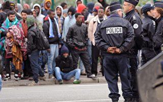 加莱港口移民危机加剧