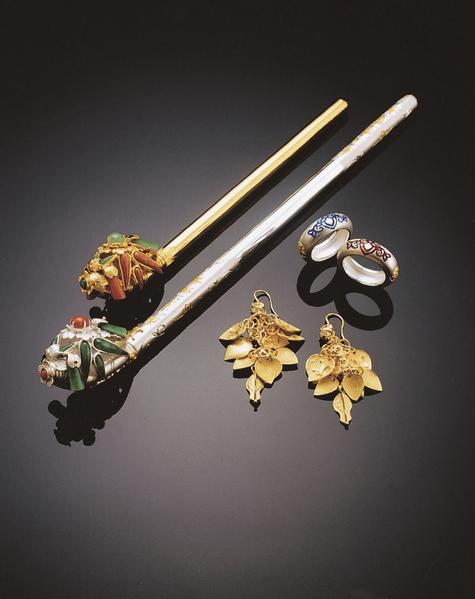 圖為李正勳的作品——竹簪、銀戒指、金耳墜。(圖片由本人提供)