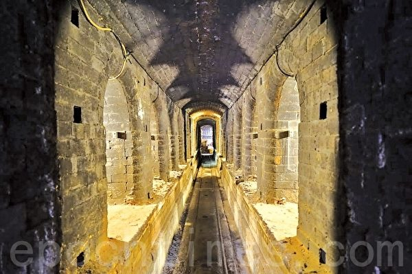 老街上的隧道窑。(庄孟翰/大纪元)