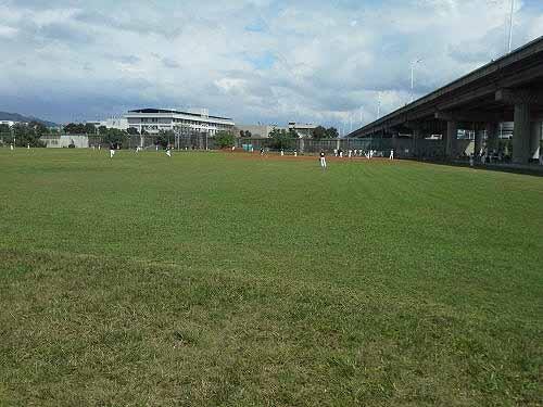 北市内湖.彩虹河滨公园棒垒球场