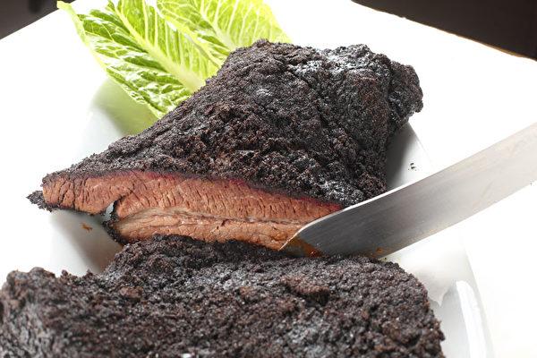 醇香無比的橡木燻肉。(張學慧/大紀元)