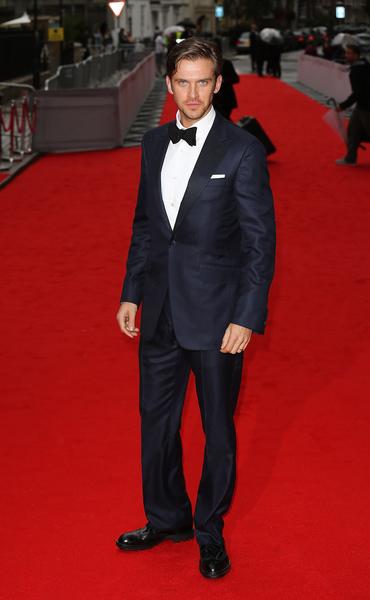 """2015年8月11日,扮演""""大表哥""""的丹‧史蒂文斯于BAFTA颁奖礼。(Tim P. Whitby/Getty Images)"""