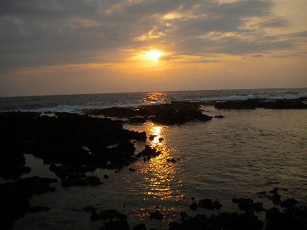 绿岛赏日出。(大纪元)