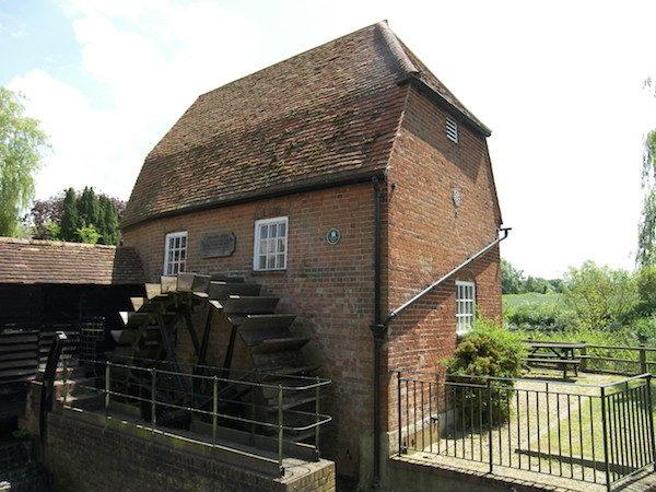 建於1822 年的水磨坊,國家二級保護建築。( 攝影|大紀元)
