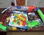 經濟部標檢局27日公布市售水槍、聲光槍或可射出各種射出物的槍形拋射玩具抽檢結果,20件中有2件塑化劑超標,最多超標166倍,長期接觸恐影響孩童發育。(標檢局提供)