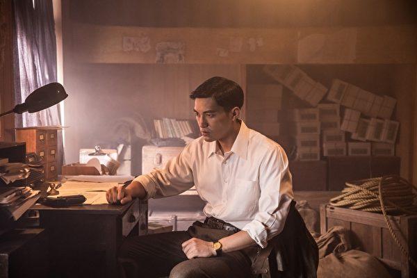 台灣導演李崗監製、許明淳執導的歷史紀錄片《阿罩霧風雲II—落子》劇照。圖為蔡力允飾演奮鬥青年林正亨。(安可電影提供)