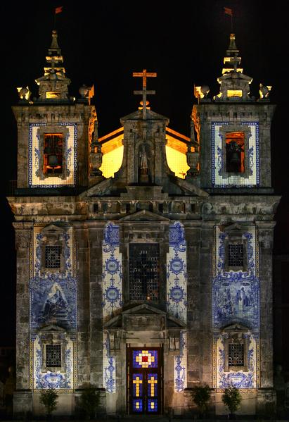葡萄牙里斯本市一所教堂的磁砖彩绘。(NICOLAS ASFOURI/AFP)